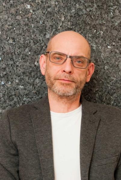 Dirk Bernhardt